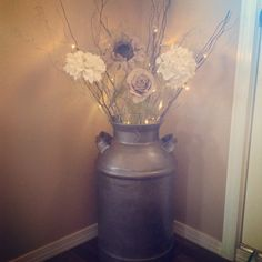 My new upcycled milk can!! Cream Living Room Decor, Farmhouse Living Room Decor, Living Room Corner Decor, Chic Living Room, New Living Room, Bedroom Door Decorations, Rooms Home Decor, Diy Home Decor, Bedroom Decor