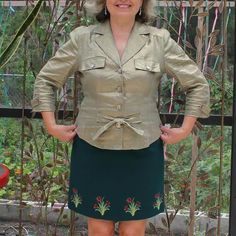 Flattering clothes for big stomach - Ageberry: helping you succeed in sewing Big Stomach, Machine Embroidery Projects, Embroidery Machines, Flattering Outfits, Sewing Alterations, Top Pattern, Sewing Hacks, Dress Patterns, Military Jacket