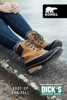 Built for adventure, the SOREL Slimpack Collection features vulcanized rubber for waterproof protection. Keep the elements out and the warmth in.