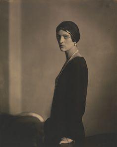 Princess Irina Alexandrovna (1895-1970) Russia by Edward Steichen, 1924. Only daughter of Grand Duke Alexander Mikhailovich of Russia & Grand Duchess Xenia Alexandrovna of Russia. Wife of Prince Felix Felixovich Yusupov (1887-1967) Russia.
