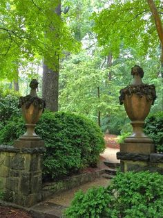 The French Tangerine: Swan House Urns, Atlanta Georgia (click through for Urnspiration: a bunch of beautiful urn photos)