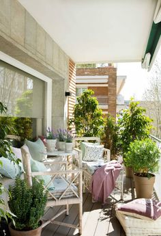 Terrace Decor, Casa Patio, Patio Interior, Outdoor Furniture Sets, Outdoor Decor, Terrazzo, Porch, Backyard, Balcony Ideas