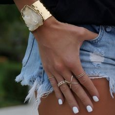 white nails and gold accessories Jewelry Box, Jewelery, Jewelry Accessories, Fashion Accessories, Fashion Jewelry, Gold Jewelry, Mode Outfits, Up Girl, Diamond Are A Girls Best Friend