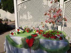 Τραπέζι Ευχων με φραουλίτσες