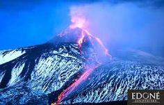 Risultati immagini per L'etna in eruzione