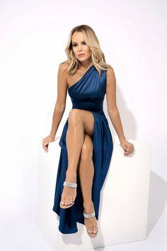Amanda Holden Clicked For a Photoshoot, 2019 Amanda Holden Bgt, Amanda Holden Style, Sexy Older Women, Sexy Women, Gq, Britain's Got Talent, Bikini, In Pantyhose, Beautiful Legs