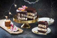 Chokladtryffel-tårta med pepparkaka.