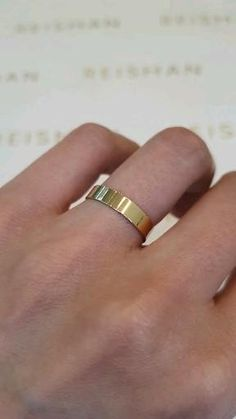 Engagement Rings Couple, Vintage Engagement Rings, Couple Ring Design, Ring Bearer Outfit, Gold Ring Designs, Beautiful Wedding Rings, Couple Jewelry, Fashion Rings, Massage