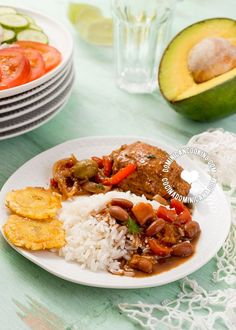 """La Bandera Dominicana, or """"The Dominican Flag"""", is also what Dominicans call the national standard lunchtime dish of rice, beans, and meat. Comida Latina, Spanish Dishes, Spanish Food, Food Blogs, Food Videos, Dominican Republic Food, Lunch Recipes, Cooking Recipes, Amish Recipes"""