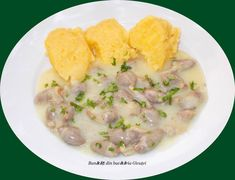 Ciulama de inimi si pipote de pui Romanian Food, Risotto, Potato Salad, Bacon, Meals, Picnics, Cooking, Ethnic Recipes, Chicken