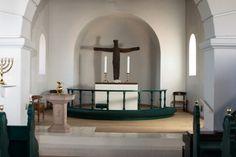 Støvring kirke: Kor krusifiks af Erik Heide