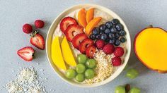 Make your smoothie and eat it too. Perfect for those who like to eat instead of sip breakfast. This substantial breakfast bowl is sure to keep you full until lunch. Epicure Recipes, Healthy Recipes, Breakfast Bowls, Sunday Brunch, Fall Winter 2015, Fruit Salad, Make It Simple, Food Porn, Lunch
