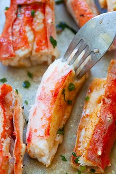 Close up picture of king crab, with sweet and tender crab meat inside the crab legs. Bake Crab Legs Recipe, King Crab Recipe, Baked King Crab Legs Recipe, Crab Bake, Fish Dishes, Seafood Dishes, Tilapia, Baked Crab Legs, Crab Recipes