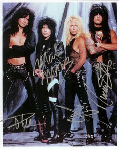 I've seen the Crue so many times. Vince Neil can never remember the lyris to the songs!