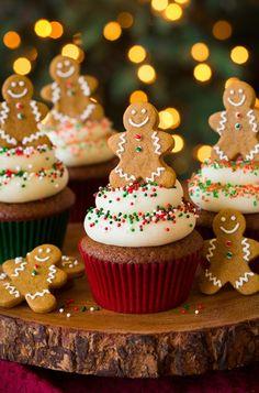 Gingerbread Cupcakes with Cream Cheese Frosting | Deliciosos cupcakes para esta navidad de galleta de gengibre!