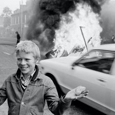 The Troubles documents the conflict that went on in Northern Ireland during the 1970's and 1908s'. Steele-Perkins visited Belfast in 1978 to capture the everyday lives of those who had been caught in the violence. Black N White Images, Black And White, Visit Belfast, Reportage Photography, Picture Editor, Classic Series, Northern Ireland, New Books, Interview