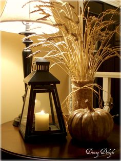 Here is an idea for a terrific yet easy-to-make fall and/or Thanksgiving centerpiece. First off though, I must give credit to Jill...