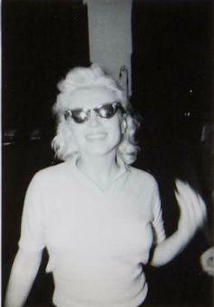Marilyn in New York, 1955. Photo by Frieda Hull.