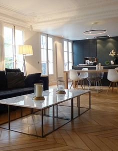 - Furniture for Kitchen - 11 astuces de pro pour adapter l'ancien à un mode de vie actuel Haussmanian Lounge open-plan - 11 pro tips to adapt the old to a current lifestyle - Elle Decoration. Decor, House Styles, Modern Interior, Home And Living, Interior Design, Home Decor, House Interior, Room, Home Deco