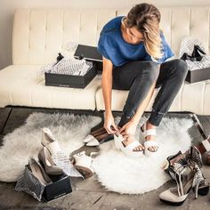 my obsession with shoes is unbounded Fashion Beauty, Fashion Looks, Celebrity Closets, Shop Till You Drop, Shopping Day, Love To Shop, Luxury Shoes, Street Chic, Celebrity Pictures