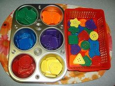 montessori ideas | My HomeMade Montessori: Sorting Buttons Montessori Tray