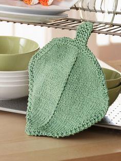 Free Pattern - Bring nature inside with this sweet garden leaf dishcloth. #knit #leaf #garden #dishcloth