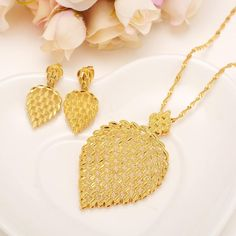 Gold Plated Necklace Earring Set for Women Party Gift Big Leaf Jewelry Sets Leaf Jewelry, Jewelry Sets, Bridal Jewelry, Indian Jewelry, Flower Jewelry, Dubai Gold Jewelry, Gold Jewellery Design, Fancy Jewellery, Gold Plated Necklace