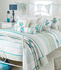 JUBILEE WHITE GREEN TEAL FLORAL EMBROIDERED SUPER KING...