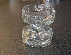 """Lekker vase / lysestake,kan brukes begge veier. Samme som blå over. """" Mesimarja """" designet av Tamara Aladin, Riihimäen Lasi ( Riihimäki glass ) . NOK 90,-"""