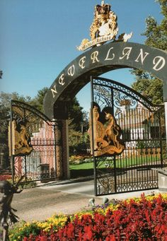 THE GATES OF NEVERLAND RANCH ARE OPEN I KNOW MICHAEL JACKSON IS IN NEVERLAND & NEVERLAND BELONGS TO MICHAEL