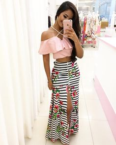 Beautiful front open colorful skirt with beautiful pink top Stylish Outfits, Cute Outfits, Fashion Outfits, Tropical Fashion, Mini Slip Dress, Summer Outfits, Summer Dresses, Outfit Combinations, Skirt Outfits