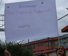 """""""Gracias por la valentía"""", en kichwa. Cartel de bienvenida a la Marcha a su entrada a Quito. 22 marzo"""