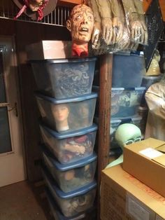 STORAGE....Where does it all go? A Halloween Forum thread on how people store their stuff.