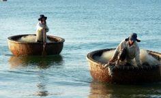 Le bateau de Thung Chai et les pêcheurs