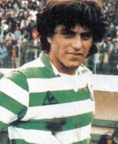 Paulo Futre - um talento sempre fragil para o Sportng Portugal Soccer, Sport C, Personal Qualities, Le Talent, Good Soccer Players, Polo Ralph Lauren, Football, Lisbon, 1