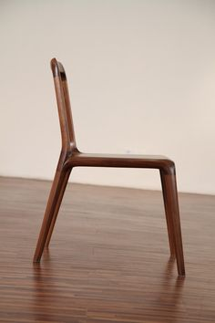size 430 450 800 sh440 material walnut, natural oil finish 곡선가구 Dining chair. Dining Table과 ... Fine Furniture, Furniture Styles, Wood Furniture, Furniture Design, Chair Design Wooden, Wood Design, Wooden Chairs, Mid Century Armchair, Chair Bench