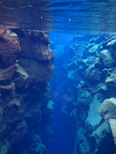Located in the Þingvallavatn Lake in the Þingvellir National Park in Iceland, Silfra is a rift that is part of the divergent tectonic boundary between the North American and Eurasian plates.
