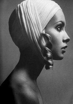 Twiggy by Richard Avedon, 1967
