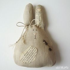 Adorable bunny!   Sure wish I could   'craft'!!