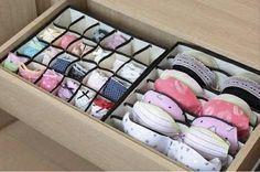 Un organizador para el cajón de lencería te permitirá mantener tu ropa íntima de forma correcta y ordenada. | 53 trucos para organizar la ropa que te van a cambiar la vida de verdad
