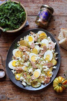 Salata de ton cu dovlecei si feta Pasta Salad, Cobb Salad, Salad Recipes, Salads, Cooking, Ethnic Recipes, Food, Crab Pasta Salad, Kitchen