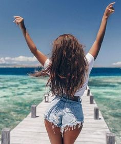 Total summer vibes and vacation mode – girl photoshoot Summer Pictures, Beach Pictures, Boating Pictures, Summer Photography, Photography Poses, Pinterest Photography, Landscape Photography, Summer Vibes, Summer Days