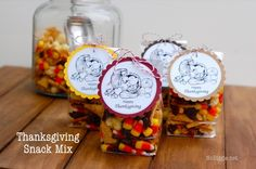 Thanksgiving snack mix with a free printable - NoBiggie.net