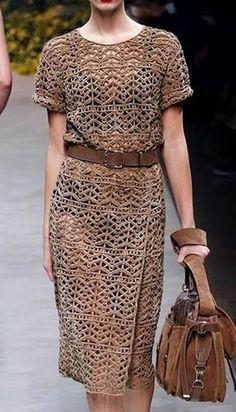 связанное крючком платье