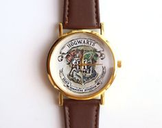 harry potter – Etsy FR Bijoux Harry Potter, Harry Potter Hogwarts, Brown Leather Watch, Quartz, Unique Jewelry, Handmade Gifts, Gold, School, Accessories