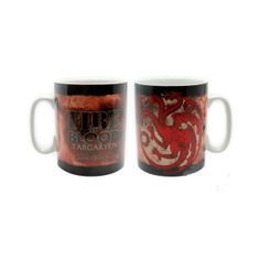 """""""Fuego y Sangre"""" (""""Fire and Blood"""")El lema Targaryen. Demuestra tus simpatías de qué lado están con esta estupenda taza de porcelana con el lema y escudo de esta familia de Juego de Tronos.Porcelana - Apto para lavavajillas - 460 ml"""