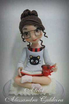 Fondant figure for book lover cake Fondant Figures, Polymer Clay Figures, Polymer Clay Dolls, Fondant Toppers, Fondant Cakes, Cupcake Cakes, Book Cupcakes, Fondant Girl, Fondant People