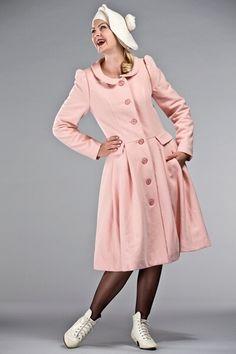 Cappotto bon ton color rosa pallido, per un perfetto stile retrò anni '50!