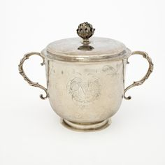 Porringer with Cover. John Duck (England, active London,1677-94). 1685-1686.