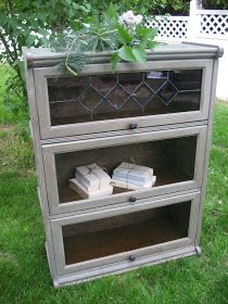 I PICKED UP THIS LIBRARY BOOKCASE OFF OF CRAIGS LIST THE OTHER DAY AND DECIDED TO DO A COLOR THAT I HAVE NEVER DONE. GREY !!! WELL I LOV...